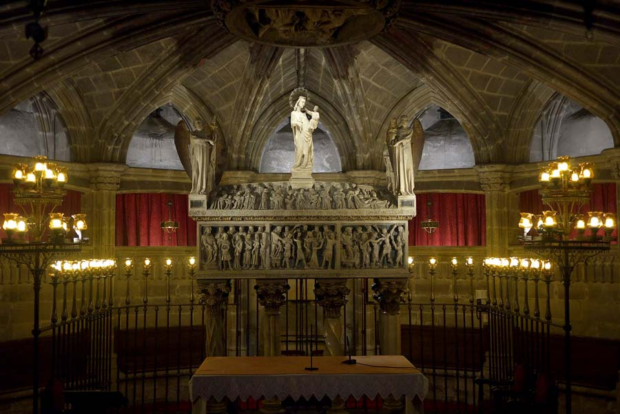sepulcro santa eulalia catedral barcelona
