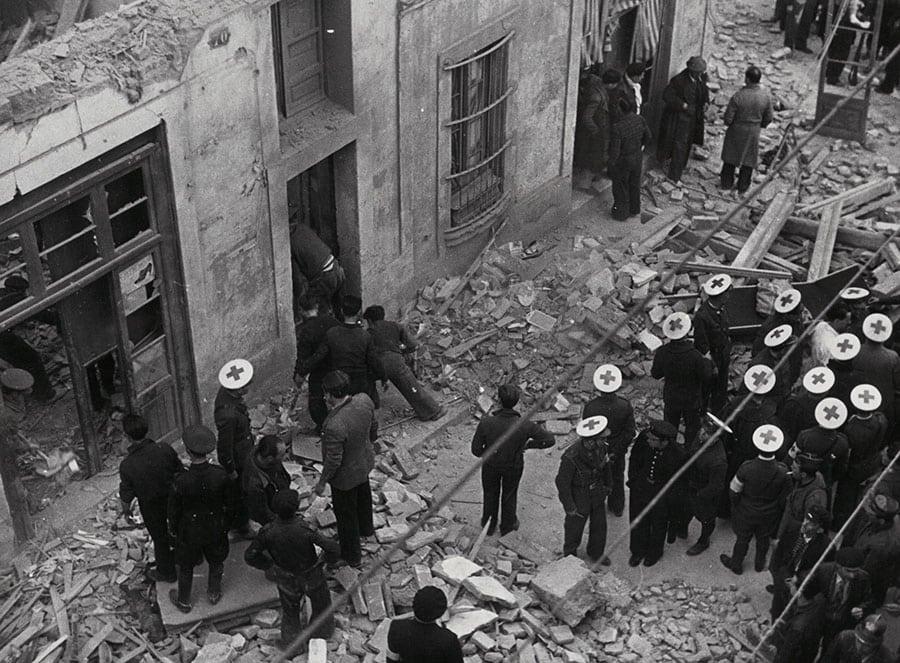 barrio chino de barcelona la criolla bombas